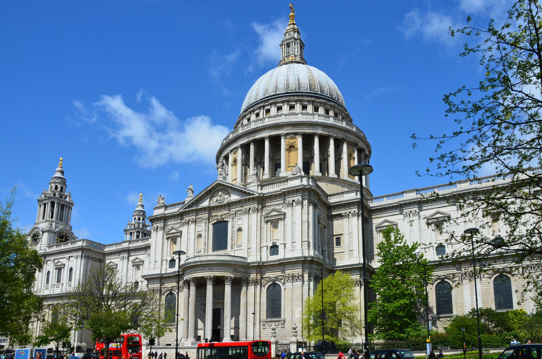 GC5H6ME St Paul's Cathedral - Limestone or Marble ...