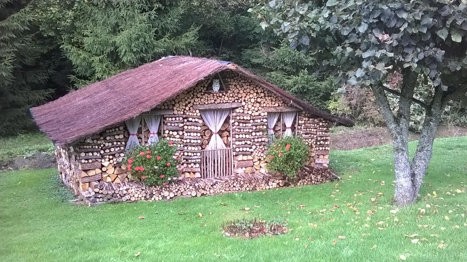 gc64ttm les petites maisons de bois en bois multi cache in franche comt france created. Black Bedroom Furniture Sets. Home Design Ideas